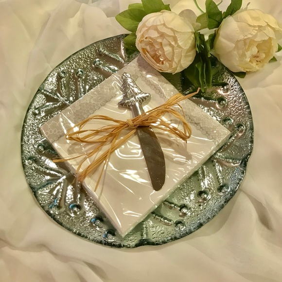 Other - 🎄🎄Silver Snowflake Plater🎄🎄6 sets available🎄